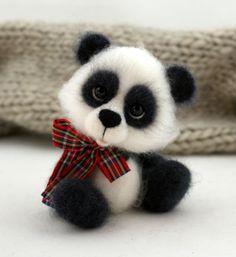 *NEEDLE FELTED ART ~ joannazatorska.blogspot.com , panda, felt, Poland hand made, toy,ooak.