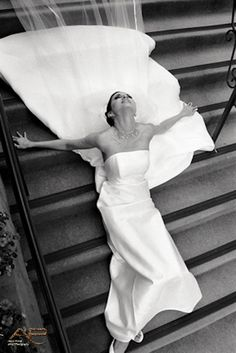 Such a beautiful shot of the bride!