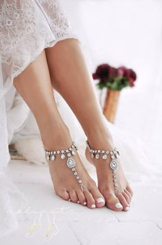 ❤HOKULANI DESIGN❤ These HOKULANI design soleless sandals are a decadent adornment for the bride that lusts after sparkle. Sitting delicately on the ankle, HOKULANI can be paired with a variety of bridal looks for that Foot Jewelry Wedding, Beach Foot Jewelry, Boho Jewelry, Wedding Shoes, Wedding Jewelry, Boho Wedding, Wedding Beach, Wedding Stuff, Paris Wedding