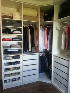 Super Home Office Closet Layout Ideas Walk In Closet Design, Wardrobe Design Bedroom, Master Bedroom Closet, Wardrobe Closet, Closet Designs, Corner Wardrobe, Small Wardrobe, Sliding Wardrobe, Modern Wardrobe