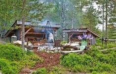 GREAT ATMOSPHERE: After the bivouac and the fireplace was completed, experienced family that it could be fine with a smaller shelter for storing firewood. Outdoor Shelters, Forest Cabin, House Deck, Outdoor Fun, Outdoor Spaces, Garden Buildings, Interior Garden, Cozy Cabin, Camping Survival