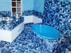 Brittany's AMAZING dollhouse bathroom!