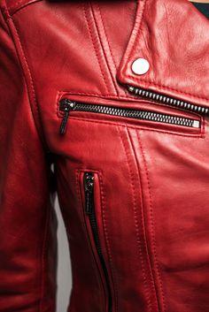 Col perfecto en cuir coloris rouge - modèle Laurie