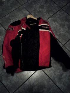 #Location Protection épaule, coude et dos. Location Veste femme moto 38 à Juilley (50220) _ www.placedelaloc.com/annonces-de-location-par-categorie-louer-un-objet-une-voiture #consocollab #moto