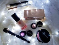 NYE Makeup Plan This is what I'm bringing with me to bring in 2017 in . Excited to start the new year with my family & bff. She's going to be like omg OK why so much makeup? Wishing all of you a safe time out there and indoors. Hoping next year brings all of you lots of happiness good health & all your heart desires. Many thanks to the new friends I've made this year who make the ig lovely! #motd #fotd #beauty #beautylover #naturalbeauty all are #crueltyfree #crueltyfreebeauty…