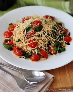 To Food with Love: Crushed Cherry Tomato Pasta