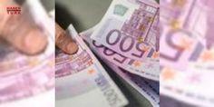 Bankalarda 500 euro bozdurma karmaşası: Terörizmin finansmanı ve kara para aklamaya karşı müc#Adele amacıyla Avrupa Merkez Bankası'nın geçen yıl aldığı kararla 2018 yılında arzına son verilecek olan 500 Euro'luk banknotlar, son günlerde Türk bankalarının ve vatandaşların kâbusu olmuş durumda.