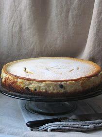 De tous mes gâteaux au fromage, c'est finalement celui-ci que je préfère. La texture est parfaitement à mon goût. En tant que dessert tradi...