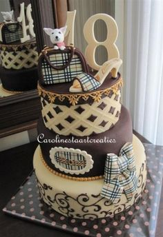 I WANT THIS !! #Burberry #Cake