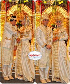 Dian Pelangi's Wedding   Hijab Scarf Disney Wedding Dresses, Wedding Hijab, Pakistani Wedding Dresses, Nigerian Weddings, African Weddings, Street Hijab Fashion, Muslim Fashion, Hijab Bride, Wedding Costumes