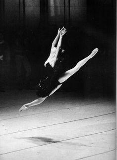 Sylvie Guillem - Swan Lake