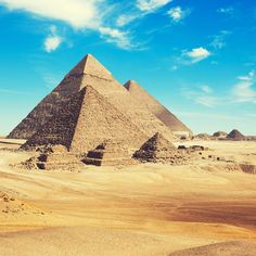 7 fatos surpreendentes sobre As Pirâmides do Egito Paises Da Africa, Pyramids Of Giza, Giza Egypt, Visit Egypt, Ancient Architecture, Luxor, Cairo, Ancient Egypt, Great Places