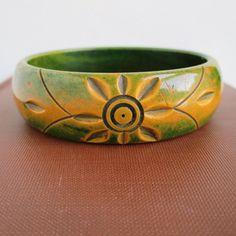 Bakelite Carved Bangle Bracelet Beautiful Green by lucra on Etsy