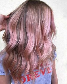 50 bold and subtle ways to wear pastel pink hair .- 50 Fett und subtile Möglichkeiten, Pastellrosa Haar zu tragen 50 bold and subtle ways to wear pastel pink hair - Rosa Highlights, Pink Hair Highlights, Hair Color Balayage, Chunky Highlights, Colored Highlights, Pastel Pink Hair, Hair Color Pink, Hair Colors, Pink Ombre Hair