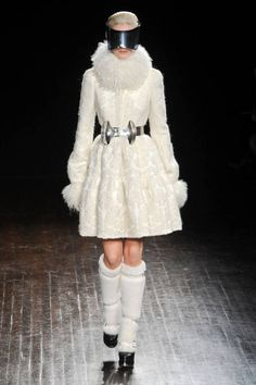 Alexander McQueen Fall 2012 Runway - Snowy white, cloud soft fabrics and futuristic theme with elements of masquerade parties like those frequented by Marie Antoinette.