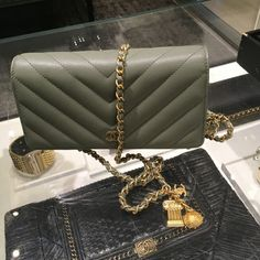 CHANEL ANCIENT GREEK CHEVRON WOC 2018 cruise collection