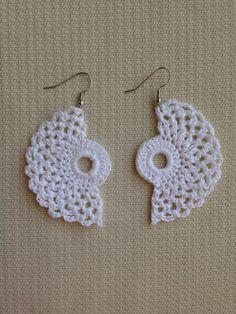 PDF Crochet Pattern Dainty Little Doilies 13 different Motif Bikini Crochet, Crochet Earrings Pattern, Crochet Jewelry Patterns, Tatting Patterns, Crochet Accessories, Crochet Diy, Cotton Crochet, Thread Crochet, Crochet Hook Sizes