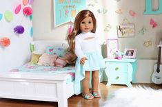 Good morning☀️ hope you guys enjoy this room. sent me this beautiful bedding and I can't even explain to you how… American Girl House, American Girl Doll Room, American Girl Doll Pictures, American Girl Clothes, Girl Doll Clothes, American Girl Doll Gymnastics, American Girl Doll Costumes, Ag Dolls, Girl Dolls