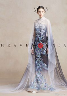 Heaven Gaia by Xiong Ying Unique Dresses, Beautiful Dresses, Formal Dresses, Asian Fashion, Look Fashion, Fashion Design, Mode Boho, Fantasy Dress, Ao Dai