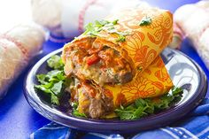 This simple recipe for make-ahead roasted veggie burritos will walk you through how to prep, wrap, and freezer 12 deliciously healthy burritos. Weight Watchers Freezer Meals, Make Ahead Freezer Meals, Easy Meals, Freezer Recipes, Freezer Cooking, Healthy Dinners, Freezable Dinners, Weeknight Dinners, Mexican Food Recipes
