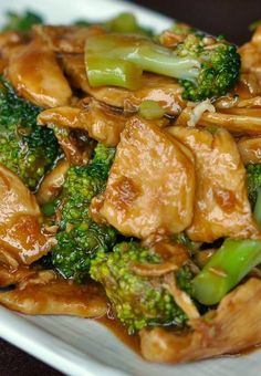 Chicken and Broccoli Stir-Fry. Delicious main dishes for dinner. You can make this Chicken and Broccoli Stir Fry in almost the same amount of time that it takes to get takeout. You can also sub/add other veggies such as onion, mushroom and zucchini. Asian Recipes, New Recipes, Dinner Recipes, Healthy Recipes, Recipies, Chinese Recipes, Easy Recipes, Lunch Recipes, Skinny Recipes