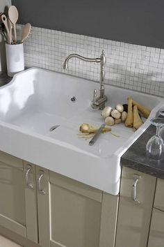 Chambord Francois I White Ceramic Kitchen Sink – Modern White Ceramic Kitchen Sink, Kitchen Taps, Kitchen Cabinet Design, New Kitchen, Kitchen White, Vintage Kitchen Sink, Ceramic Sink, Open Plan Kitchen, Updated Kitchen
