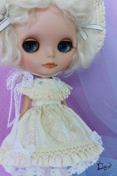 creamy lace baby set for Blythe by Dollygoround on Etsy, $27.00