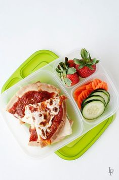 leftover pita pizzas are also perfect for a quick to assemble healthy school lunch idea Lunch Box Bento, Non Sandwich Lunches, Easy Lunch Boxes, Lunch Ideas, Box Lunches, Bento Ideas, Snacks For Work, Healthy Work Snacks, Healthy Food