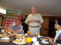 Presidente da Abrajet/RS, José D'Avila, abre o encontro de final de ano / Hotel Embaixador / Porto Alegre.