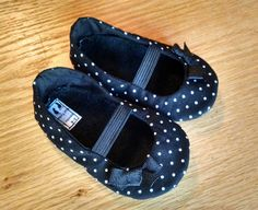 Black polka dot mary janes are sure to look adorable with almost any little outfit~ perfect for the holidays! These have black polka dot