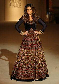 Kareena Kapoor at Lakme Fashion Week 2016 Fashion Week 2016, Lakme Fashion Week, Lehenga Top, Anarkali, Rohit Bal, Kareena Kapoor Khan, Bride Look, Bridal Collection, Summer Wedding