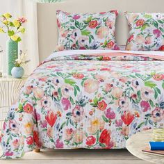 Refresh the look of your bedroom with the Blossom Reversible Quilt Set. Featuring bright watercolors in a bold floral pattern, this quilt set reverses to a coordinating coral pink solid tone to give your bedroom's decor a painterly look. King Size Quilt Sets, Quilt Sets Queen, Coverlet Bedding, Bedding Sets, Comforters, Floral Bedding, Twin Quilt, Bed Spreads, Quilts