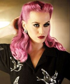 Katy Perry pink hair/ pin up Retro Hairstyles, Short Hairstyles For Women, Hairstyles Men, Wedding Hairstyles, Rainbow Hairstyles, Crazy Hairstyles, Long Haircuts, Katy Perry, Pelo Pin Up