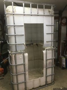 adding insulation to IBC Outdoor Tub, Outdoor Bathrooms, Douche Camping, Shooting House, Hunting Stands, Cool Tree Houses, Deer Hunting Blinds, Tiny House Cabin, Shower Systems