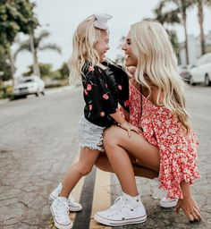 Savannah and Everleigh Soutas Mother Daughter Photos, Mother Daughter Photography, Mom Daughter, Savannah Soutas, Cole And Savannah, Mom And Baby, Mommy And Me, Look Fashion, Kids Fashion