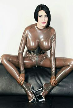 amore erotik latex catsuit tease