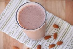 Low Carb Strawberry Crunch Smoothie