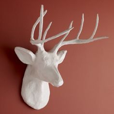 If you've admired those beautiful white deer heads, this hack is for you! Take an inexpensive paper mache deer head and make your own faux deer mount! Paper Mache Projects, Paper Mache Crafts, Paper Mache Deer Head, White Deer Heads, Paper Mache Animals, Deer Decor, Wall Decor, Wall Art, Stag Head