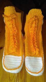 Pchły Szachrajki: Konwersy Socks, Fashion, Moda, Fashion Styles, Sock, Stockings, Fashion Illustrations, Ankle Socks, Hosiery