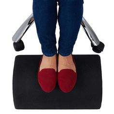 under desk foot rest helps to improve sitting posture and relieve tired legs when sitting for