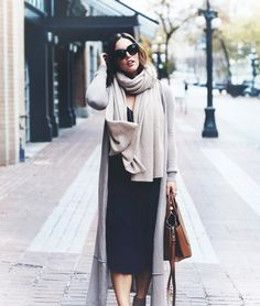 @tovogueorbust in White + Warren // Cashmere Travel Wrap #thetravelingwrap