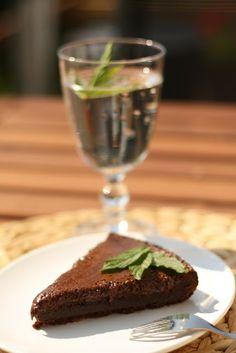 U nás na kopečku: Čokoládový dort bez mouky Home Remedies, Muffin, Gluten Free, Pudding, Candy, Cookies, Breakfast, Healthy, Recipes