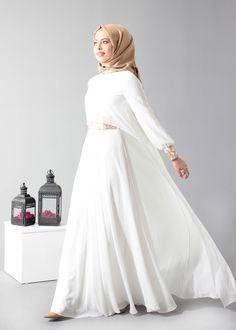Formal Cape Outfit with Hijab Fashion Looks Arab Fashion, Islamic Fashion, Muslim Fashion, Modest Fashion, Fashion Outfits, Simple Dresses, Nice Dresses, Casual Dresses, Estilo Abaya