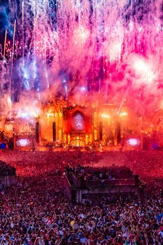 Tomorrowland Music Festival 2017: The Two Weekedn Magic