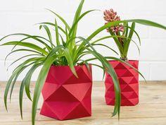 DIY tutorial: How to Make an Origami Vase via DaWanda.com