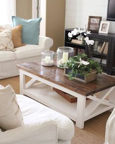 Coffee table is one's favorite to start the day. Learn how to decorate your coffee table design like a pro to give the most of your coffee time experience. Coffee Table Design, Cool Coffee Tables, Decorating Coffee Tables, How To Decorate Coffee Table, Coffe Table, Coastal Living Rooms, Living Room Decor, Cottage Living, Decor Room