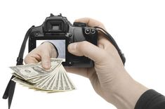how to sell photos online and make money, get money by doing thing you love. This is the way to get income online by sell your photo to some place who need it. And luckily, you could get this offer to earn more money from your pic. Earn More Money, How To Get Money, Make Money Online, Online Job Websites, Online Jobs, Business Advice, Online Business, Selling Photos, Self Employment
