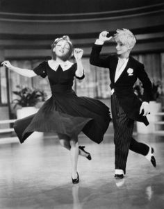 Jack and Rapunzel dancing in the '40s. Made by @gnat426. XD