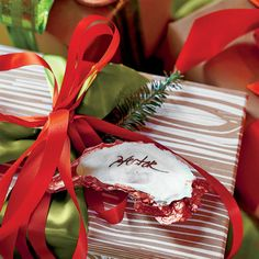 Christmas Decorating Ideas: Try Oyster Shell Gift Tags