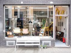GRÜNBLAUGRAU Interieur ist ein neuer Laden für Vintage Möbel, Papeterie und Design in Köln Ehrenfeld. Komm, wir gehen rein und gucken uns um.